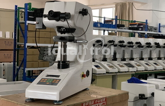 Manual Turret Micro Vickers Hardness Tester With Max Force 1Kgf Support Knoop Testing